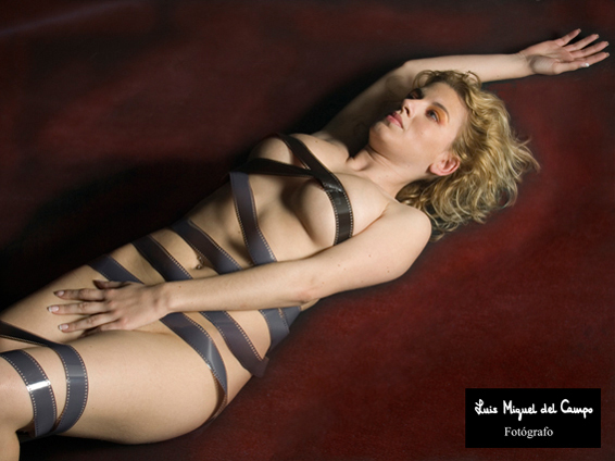 Sesión fotográfica de estudio de desnudo artístico en Madrid