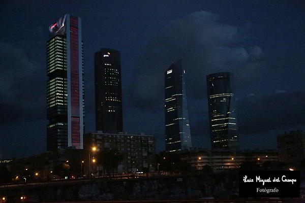 Las Cuatro Torres por fotógrafo profesional en Madrid