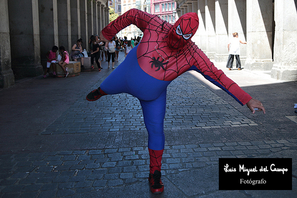 Spiderman gordo por fotógrafo en Madrid LMC