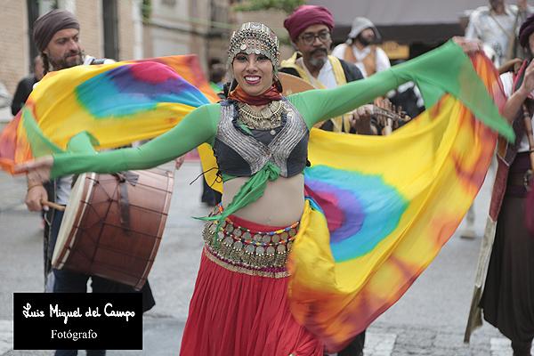 Bailarina del Mercado Cervantino por fotógafo profesional en Madrid