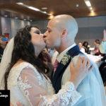 Recién casados en un reportaje fotográfico de boda en Madrid