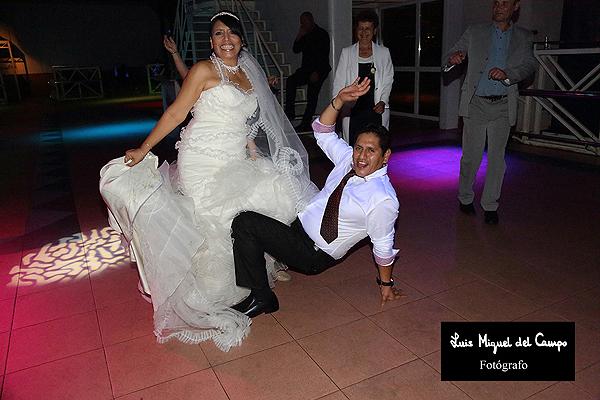 Reportaje fotográfico del baile una boda en Madrid