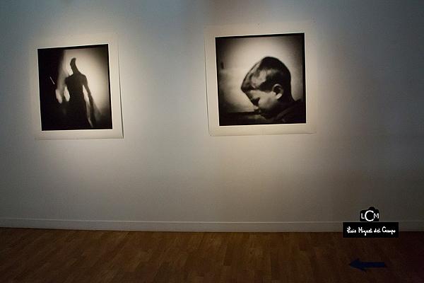 Dos fotografías de la exposición del Instituto Cultural de México en España