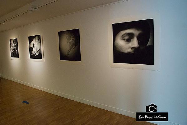 Fotografías de Pía Elizondo en la planta superior