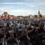 Público del Festival Gigante 2021 durante una actuación en el escenario Gigante